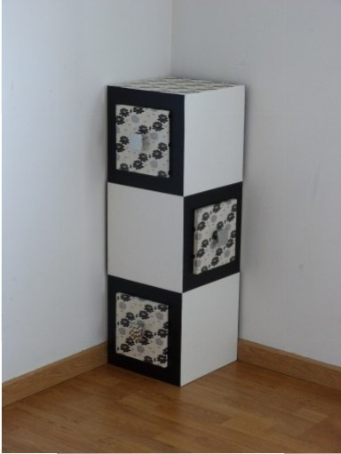 un meuble d 39 angle ame de carton. Black Bedroom Furniture Sets. Home Design Ideas